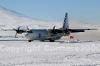C130 in atterraggio sulla pista della base