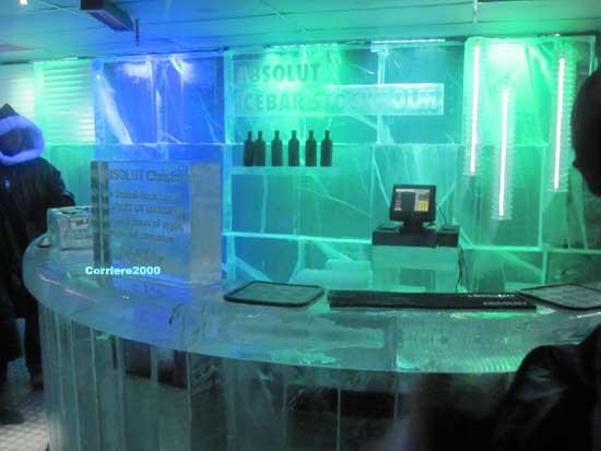 L'Absolut Ice Bar, un locale fatto esclusivamente di ghiaccio