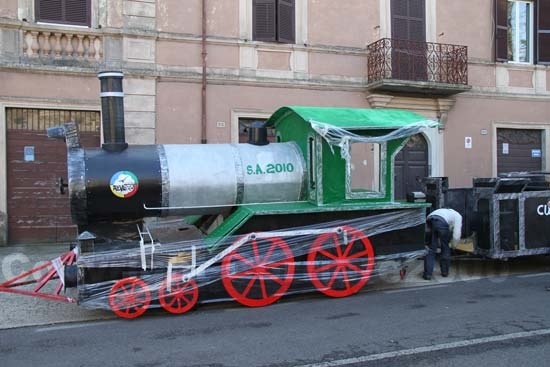 Il treno pronto a partire...