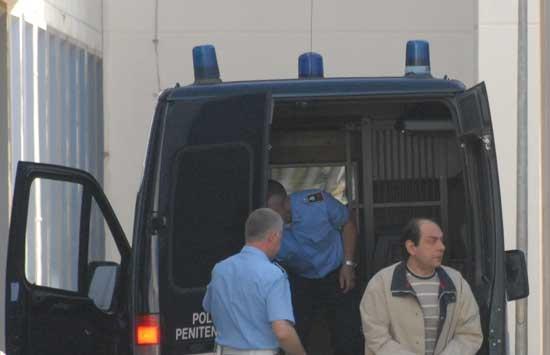 L'arrivo di Paolo Esposito in tribunale