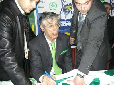 <br />Umberto Bossi