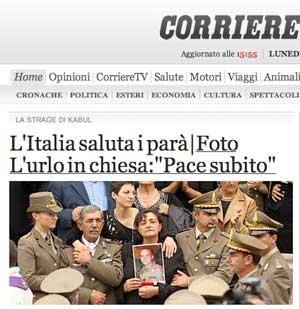 I familiari di Giandomenico ai funerali in una foto del Corriere della Sera