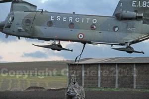 <p>Il recupero dell'elicottero in avaria</p>