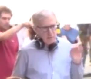 <p>Woody Allen durante le riprese</p>